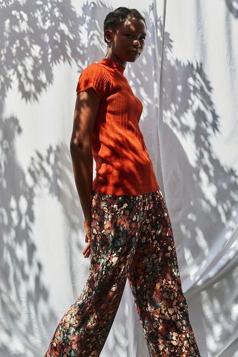 152021 - Unknown - Tile banner - women's beachwear - IMG