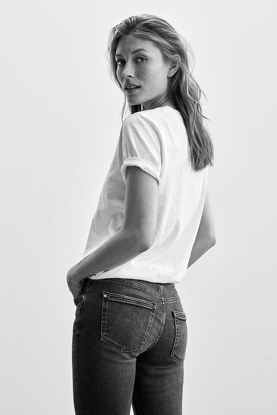 Jeans_Fit_Guide_Slim_991CC1B314_901_0018_BW