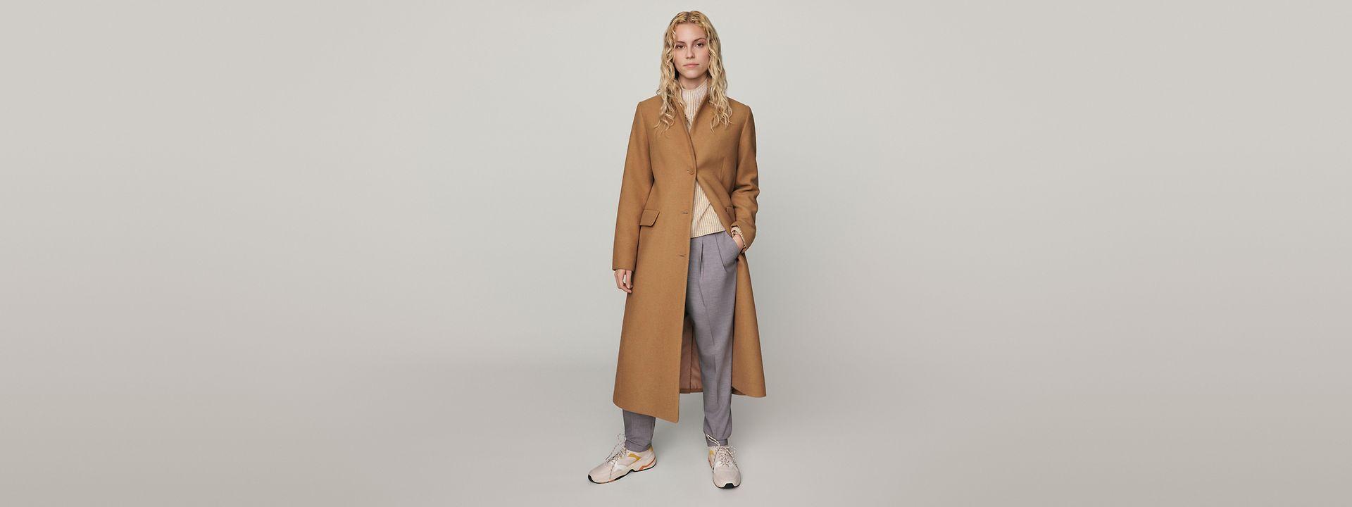 372021--W---Lookbook--Hero-Medium---Wool coats---Hello_FW21_S49_019