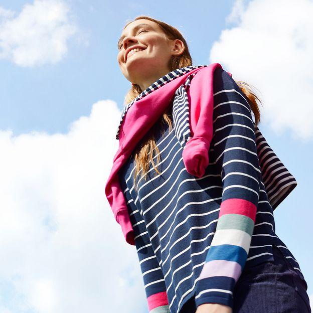 372021 - women - startpage - square banner - stripes - IMG