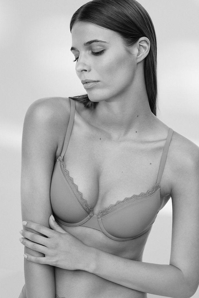 Lookbook Bodywear - Article Grid 4 - Teaser small - IMG