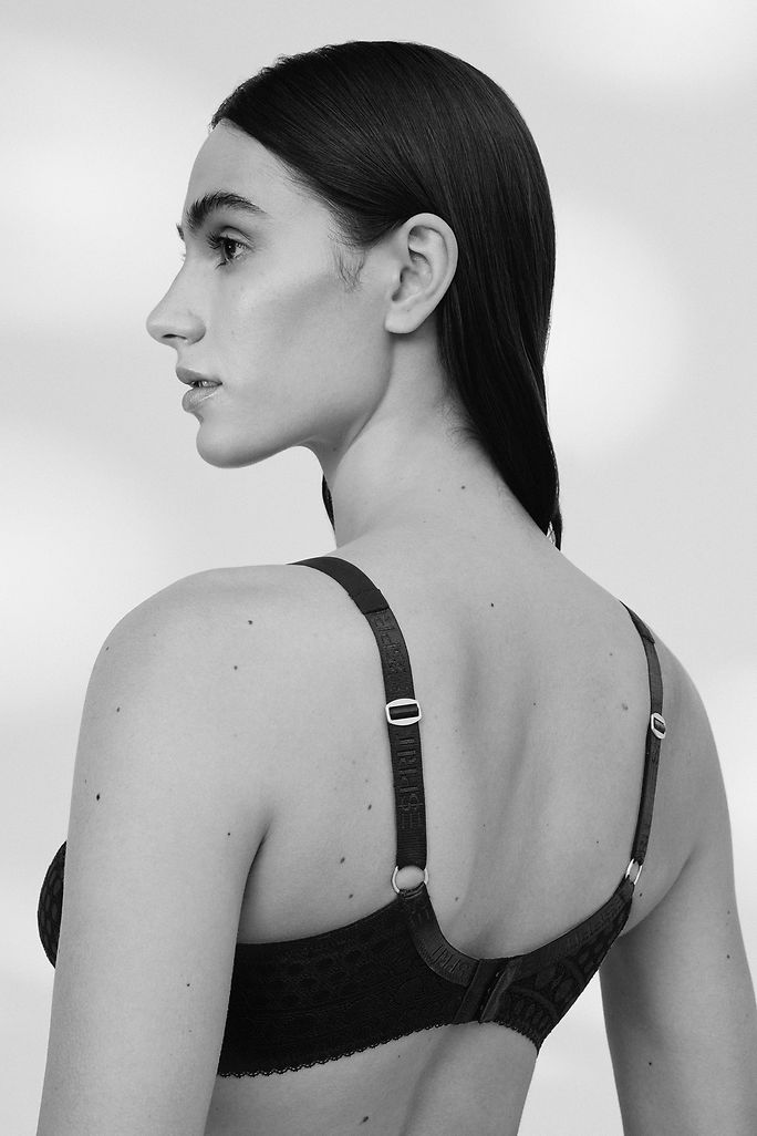 Lookbook Bodywear - Article Grid 1 - Teaser small - IMG