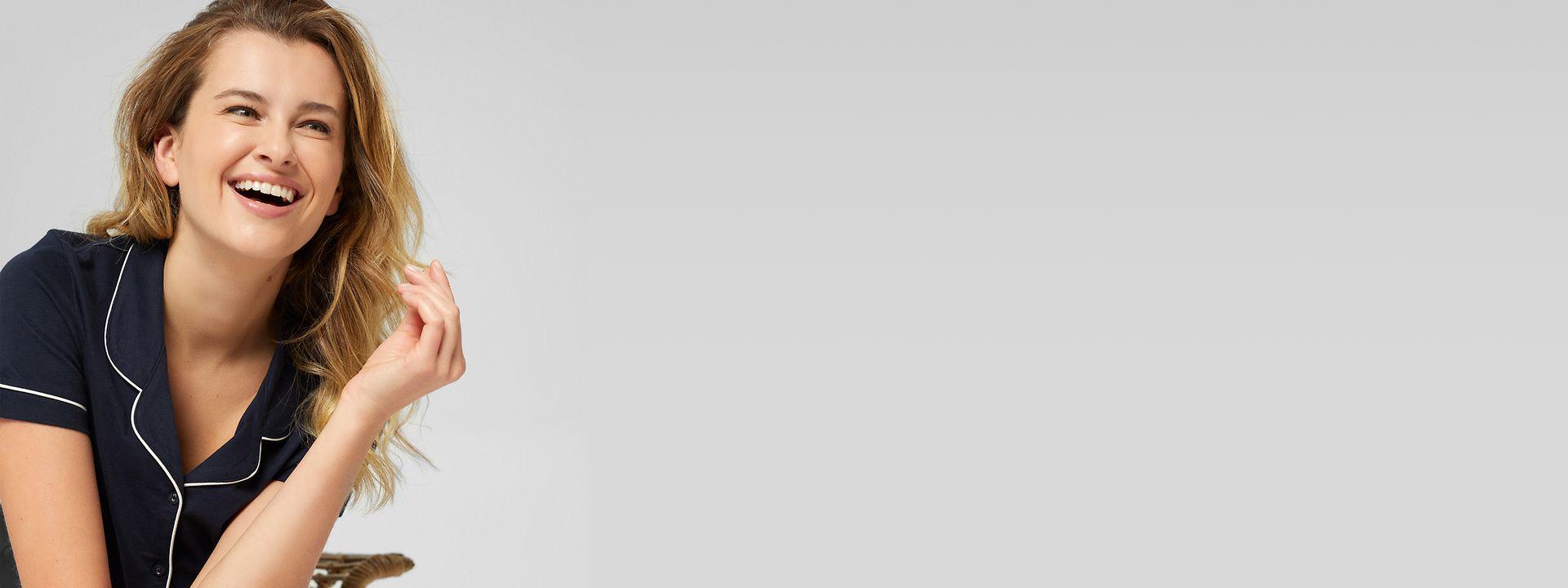 412021- women - startpage- hero medium - live shopping - IMG