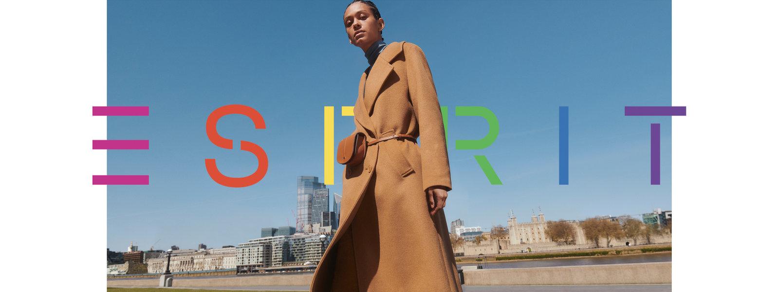 372021--W---Lookbook--Original-Image--Wool coats---Image-01
